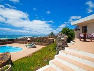 BUNGALOW WITH POOL KYUSHU IN FAMARA FOR 4 P