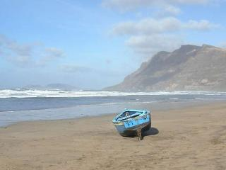 BUNGALOW ZENTOCHEY IN FAMARA FOR 6P, Famara