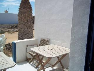APARTMENT CUCUMIS IN LA GRACIOSA FOR 2 P