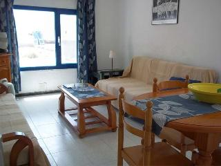 APARTMENT DANAE IN LA GRACIOSA FOR 2 P