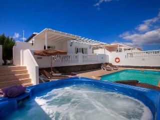 3 bedroom Apartment in Puerto del Carmen, Canary Islands, Spain : ref 5249082
