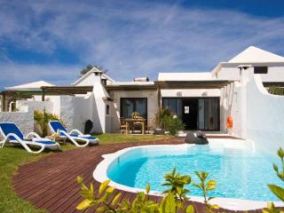 VILLA IZEMATU IN PLAYA BLANCA FOR 4P