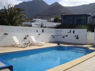 Villa Famara with private pool and sea views