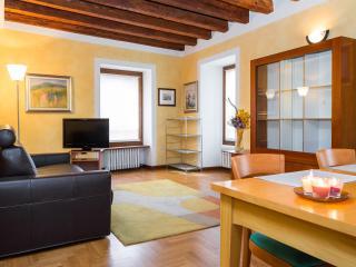 Elegant and comfortable  apartment with 4 sleeps, Verona
