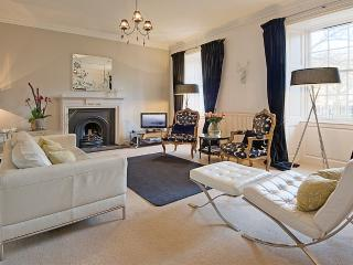 3 Gayfield Square: Central Luxury, quiet location, wifi, sleeps 4
