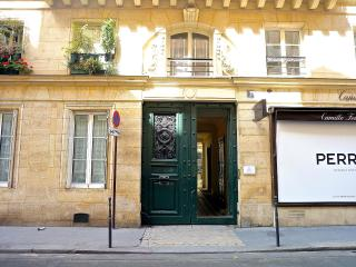 Stylish 1BR- Central location-Louvre- Fashion Dist, Paris