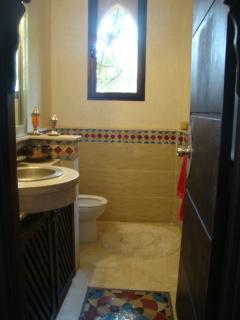 Toilettes/lave mains invités