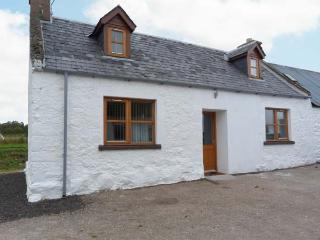 THE CROFT HOUSE, stone cottage, woodburner, off road parking, near Muir of Ord a