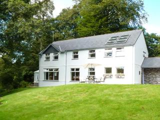 EVERSLEY GARTH, detached house, woodburner, WiFi, snooker table, spacious accommodation, in Camelford, Ref 26332