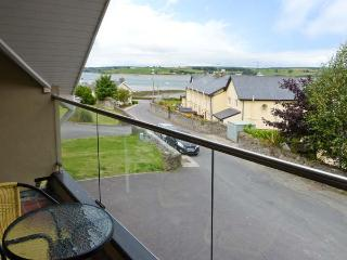BROOK COTTAGE, detached, upside down accommodation, balcony, views of the bay, in Courtmacsherry, Ref 913621