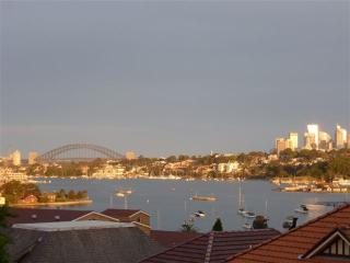NAP13 - Modern 2 Bedroom, Amazing Harbour Views, Sídney