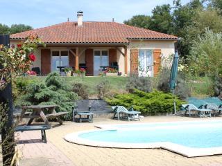 villa, piscine, wifi entre sarlat et rocamadour, Gourdon