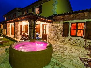 Villa Tila, Sveti Lovrec