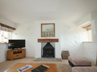 Walnut Cottage with heated indoor pool on site, Staverton