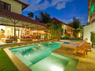 6BDR Seminyak+2xPool+Walk to Beach