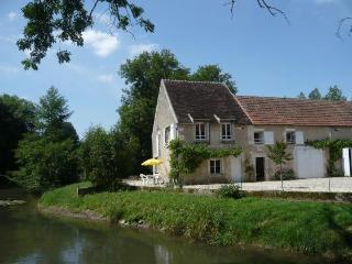 Moulin de Prenoulat, Lucy-sur-Yonne