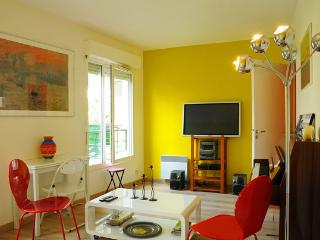 LOVE NEST CENTRAL PARIS NEAR MOST ROMANTIC  PARC)), Asnieres-sur-Seine