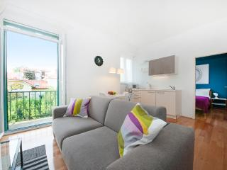 City Center: One-bedroom apartment with balcony, Split