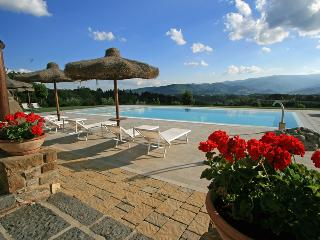 Luxury Villa up to 21 people in panoramic position, Bibbiena
