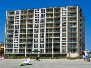 The Pinnacle is an OceanFront Condo with 2 balconi, Noord Myrtle Beach