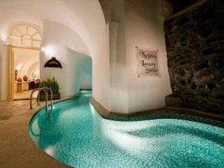 Santorini Luxury Holiday Junior Suite 1041, Fira