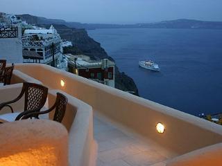 Santorini Luxury Holiday Superior Suite 1041, Fira