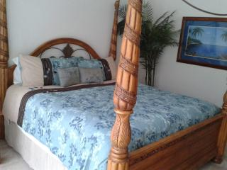 Large 5 bedroom villa with pool and games room, Davenport