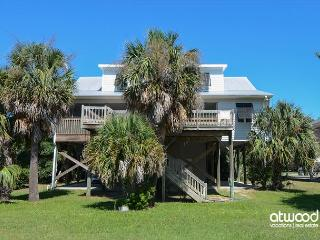 Summer House - Great Views, Easy Beach Access, Awesome Location, Edisto Island