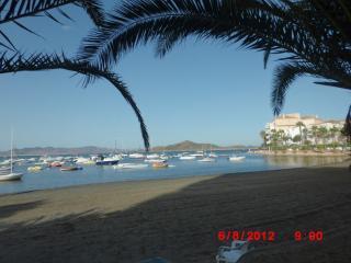 Apart 1a linea del Mar Menor. WIFI. Al lado AREA S