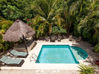 Private Pool house for 4 people. Casa Royal Palms