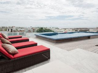 Skyline 24 # 302 - New and luxury condo near the beach, Playa del Carmen