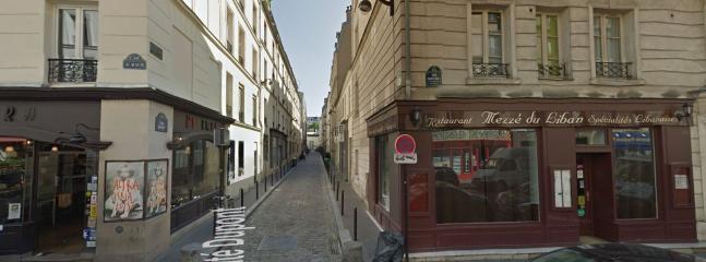 la rue 'cité Dupont' à l'angle de la rue 'Saint Maur'