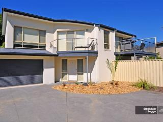 LUXURY TOWNHOUSE, Inverloch