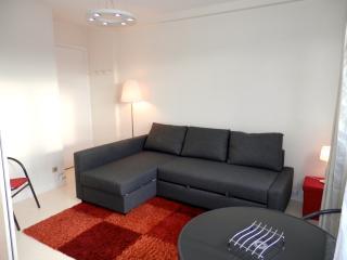 Version canapé, un grand canapé d'angle pour organiser les visites