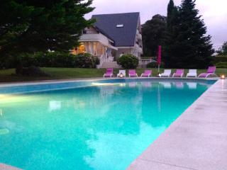 Santander,Spectacular villa with swimming pool an