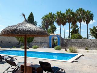 Casal típico mallorquín con gran piscina y jardín, Montuiri