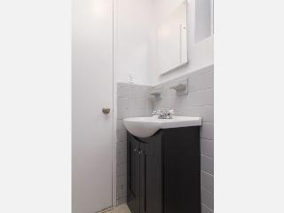 Sleeps 3! 1 Bed/1 Bath Apartment, Upper East Side, Awesome! (8448)