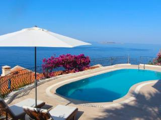 Lovely Seaside Villa w/ Pool -on Med Coast of Kas, KAS
