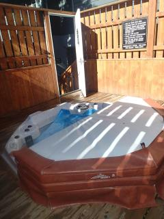 Shared Jacuzzi (winter only)