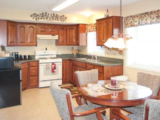 Comfortable Private Suite with Awesome Valley View, Millersburg