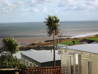 Lovely Caravan, Brilliant Sea Views/location, GOLF , Cromer/Trimingham/ Norfolk