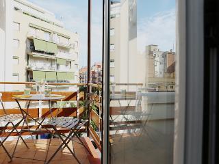 NUEVO Sagrada Familia. Wifi gratis. Aire acondicio