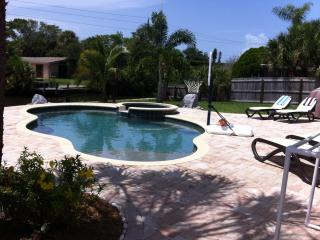 A Siesta Tropical Retreat - Island Pool Oasis, Siesta Key
