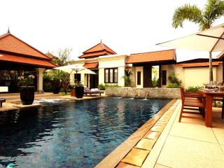 Villa Rouge- Luxury 4 (+1) Bedroom Villa in Laguna, Choeng Thale