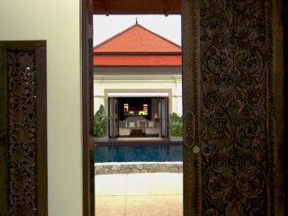 Villa Rouge- Luxury 4 (+1) Bedroom Villa in Laguna