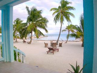 Sunset Beach B1 - 3 bedroom condo on your own private beach! - AC/WiFi/bikes