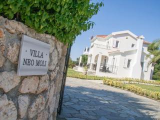 Villa Neo Moli, Spartia