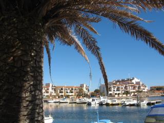 Superbe F3, ensoleillé, vue sur la marina, piscine, Le Barcares