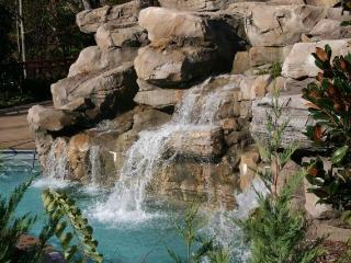 2 Bd Luxury Condo! Enjoy Fall at $180/nt in Oct.!, Pigeon Forge