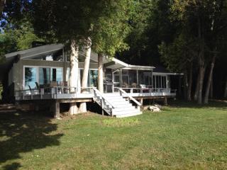 Cozy Lake Champlain Retreat, Plattsburgh